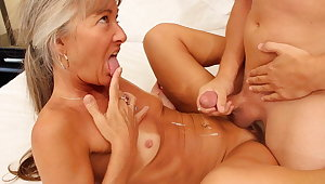 Young Man Seduces Sexy Milf