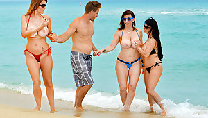 Charlee Track & Holly Halston & Sara Jay & Levi Cash thither Seduced by a Cougar