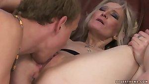 Kermis matured woman seduces fellow to fuck