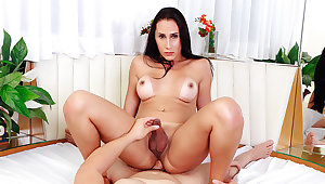 Hot Trans MILF Eduarda Farias Gets Her Hot goods Pummeled by Her Young BF