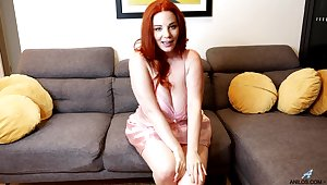 Fat together with hot redhead Avalon gets all naked to work essentially her viscous pussy
