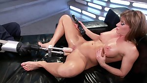 Fuck machine solo experience for slay rub elbows with steamy mommy