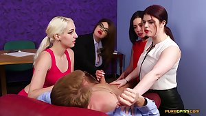 Irresistible Loveliness O'Hara and her entourage know what around pull off with a restaurant check