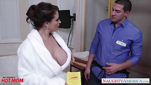 Dangerously interesting housewife Eva Notty fucks a plumber in someone's skin bathroom