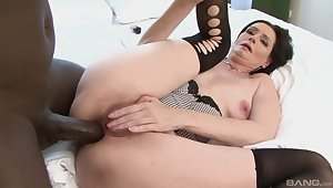 Closeup video of mature star Laura Dark getting ass fucked by a BBC