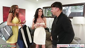 Horny girls Veronica Avluv and Richelle Ryan quota dick be advisable for lascivious riding workout
